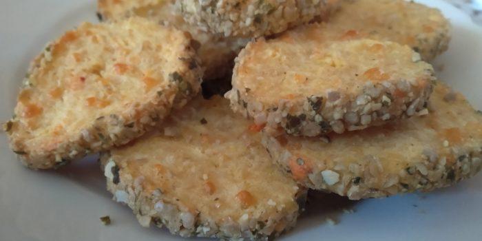 кашкавалени бисквити със семена