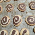 Двуцветни маслени бисквити